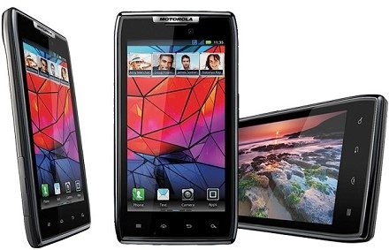 Motorola Razr: lotta ad Iphone4S e Galaxy S2